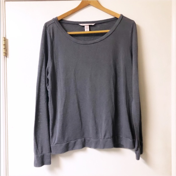 Victoria's Secret Tops - Victoria Secret | Basic Long sleeve Tee